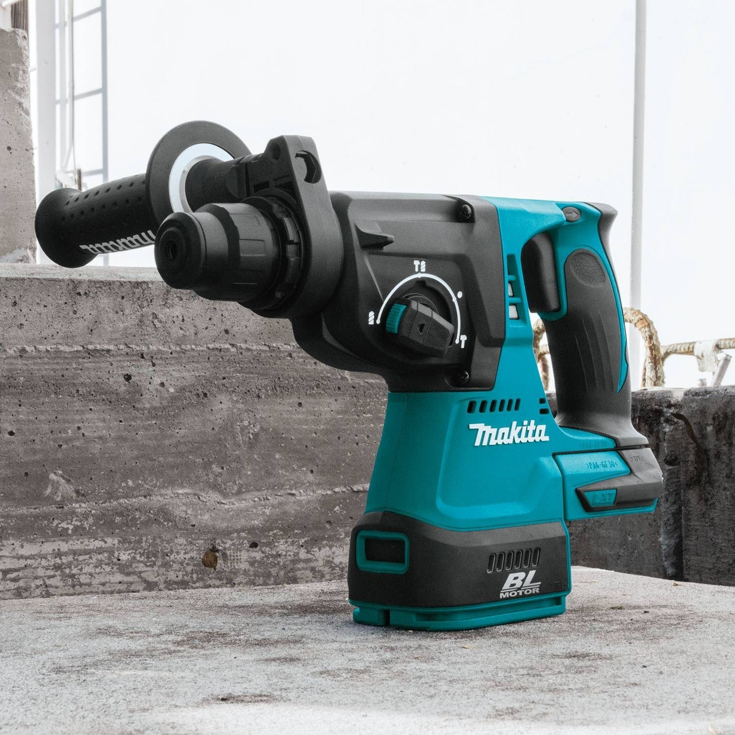 Top 3 Cordless Rotary Hammers | Buying Guide & Comparison